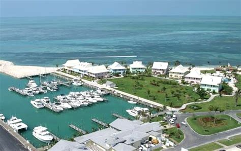 travel 2 the caribbean grand bahamas resort offers two complimentary airfares