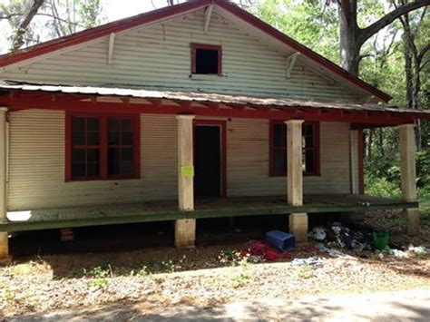 reasons to condemn a house more than 20 decaying houses condemned by marshal s office the post searchlight