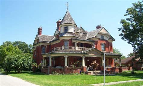 home design victorian style cape cod style homes victorian style home historic