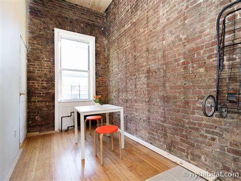 are accent walls still in style 2017 loft apartment in by 16 cypress ave ny 11237 usa nooklyn apartments