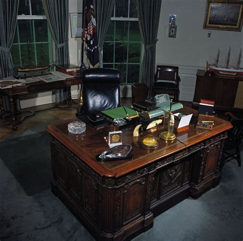 Oval Office Desk Oval Office Desk F Kennedy Presidential Library Museum