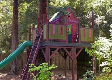 unique tree house with pink paint sayleng sayleng