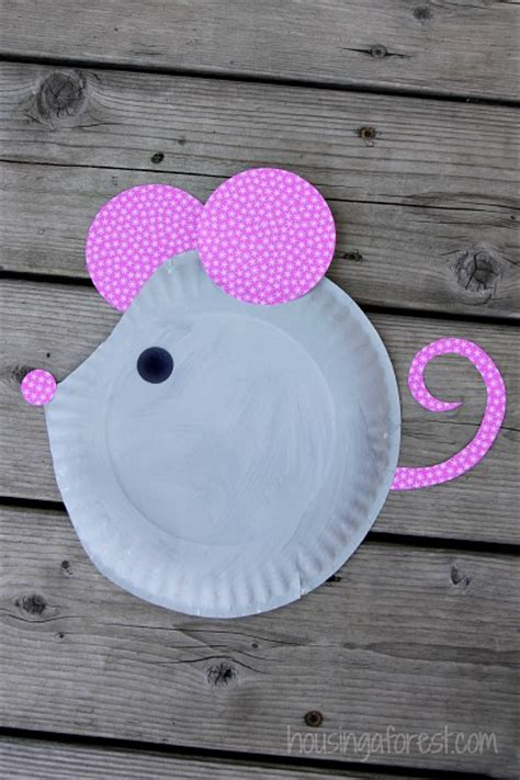 How To Make Craft With Paper Plates - paper plate mouse easy craft paper plate crafts