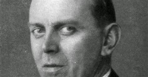 biografi hitler singkat nazi jerman foto julius schaub