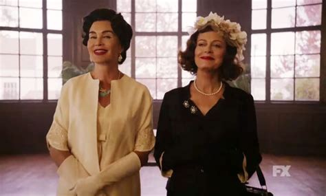 jessica lange and susan sarandon as joan crawford and susan sarandon 70 admits her sexuality is open and up