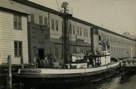 fireboat new yorker new york fdny historic fireboats