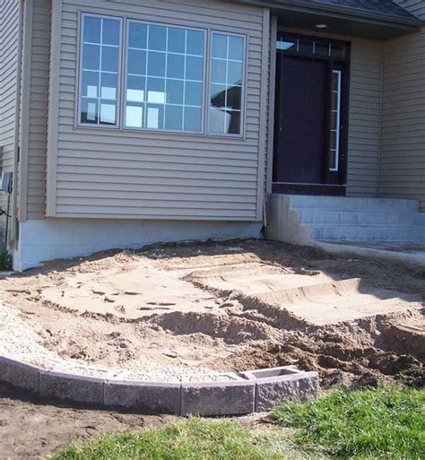 Building A Raised Patio With Retaining Wall how to build a raised patio with retaining wall blocks