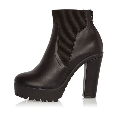 river island black chunky heeled chelsea boots in