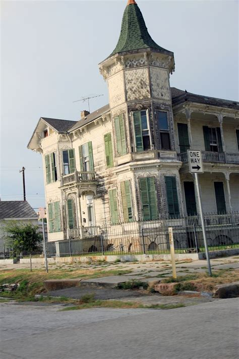 some more info about houses in galveston for rent