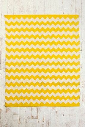 Yellow Chevron Outdoor Rug 1000 Ideas About Yellow Chevron Rugs On Pinterest Yellow Chevron Chevron Rugs And Grey