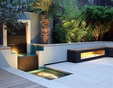 fontaine et cascade de jardin une fontaine de jardin design quelques id 233 es en photos fascinantes