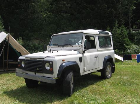 white land rover defender 90 rural land rover defender thefts surge spycameracctv blog