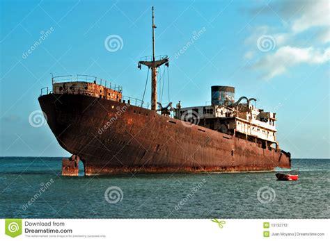 imagenes de barcos oxidados barco oxidado fotograf 237 a de archivo imagen 13132712