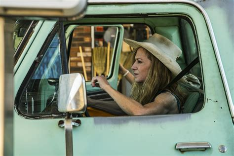 holly hunter education the reel dad holly hunter reveals a mother s pain