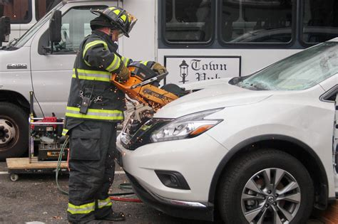 nissan lynnes bloomfield nj lynne s nissan donates vehicle for firefighter rescue