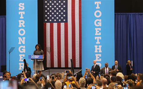 michelle obama phoenix michelle obama caigns for hillary in phoenix cronkite
