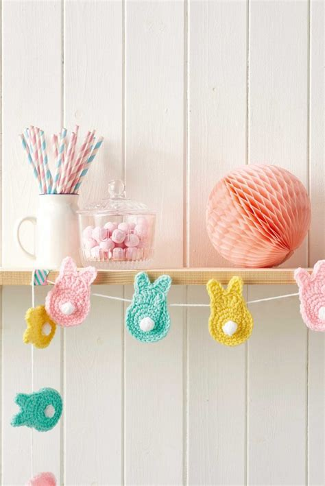 easter crafts crochet bunny bunting mollie makes