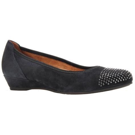 gabor womens mira navy slip on wedge shoes 52 694 26