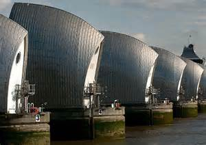 thames barrier breach new 163 20bn thames barrier proposed after report warns of