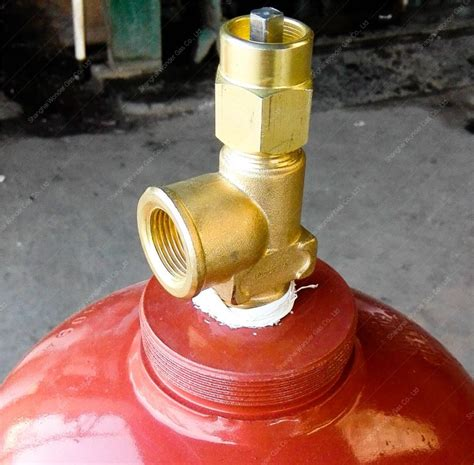 High Quality Dissolved 40l Acetylene Gas Cylinder Of Chinagascylinder Export To Brazil 40l Acetylene Gas Cylinder With Pf5 1 Valve Buy Acetylene Gas Cylinder 40l
