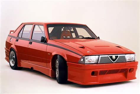 Alfa Romeo 75 by Alfa Romeo 75 Review