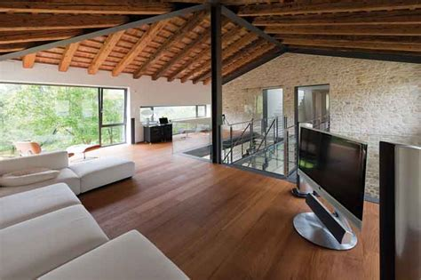 interni in legno e pietra casale ristrutturato nella cagna veneta