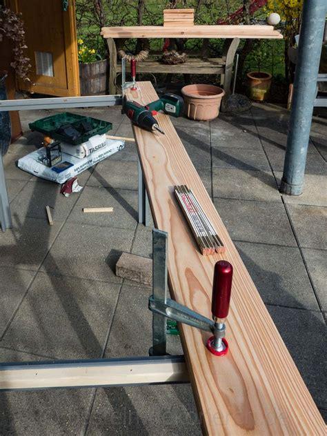 Holztisch Selber Machen by Diy Gartentisch Aus Holz Basteln Und Dekorieren