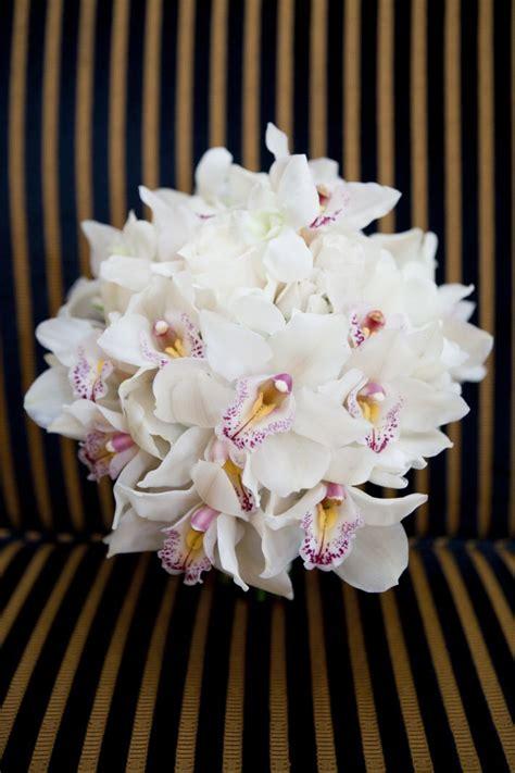 white wedding flowers  love