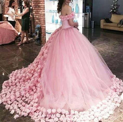 2017 Sweet 16 Quinceanera Dresses Off The Shoulder Corset Canfy Pink Wedding Dress with Flowers