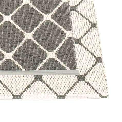 rex and rex rugs buy the rex reversible rug 70 cm by pappelina