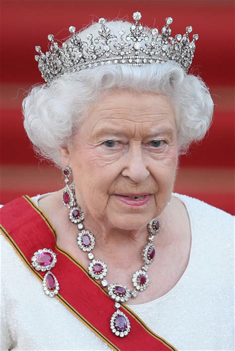 queen elizabeth 2nd royal family around the world britain s queen elizabeth