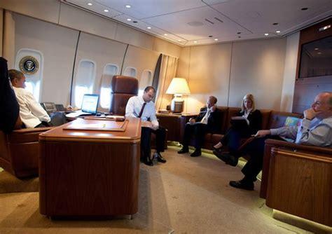 air one inside barack obama obama air one plane inside provincial archives of