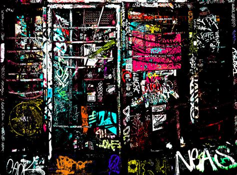 colorful graffiti wallpaper the colorful beauty in graffiti wallpaper by