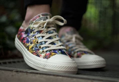 Converse All Ox Flower Motif new floral styling on the converse chuck ox sneakernews