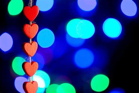 wallpaper computer full screen love mood heart heart red love bokeh blur love wallpaper