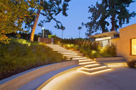 Landscape Lighting Los Angeles 8 Outdoor Lighting Ideas To Inspire Your Backyard Makeover Contemporist