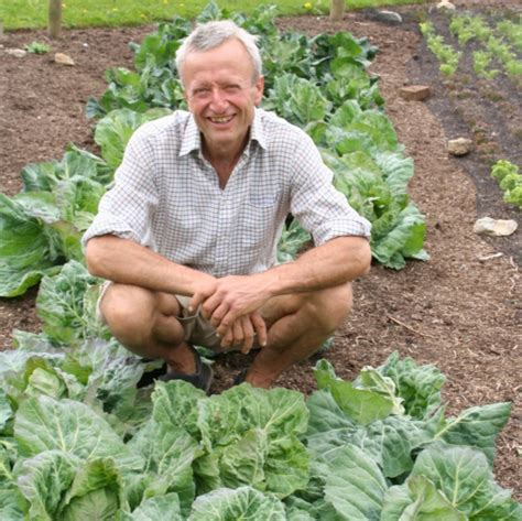charles dowding s veg journal expert no dig advice month by month books dealing with late blight country smallholding lifestyle