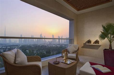 In Room Dining Manager In Dubai Raffles Dubai United Arab Emirates Hotel Reviews