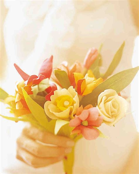 How To Make Paper Flower Bouquets For Weddings - how to make crepe paper flowers martha stewart weddings