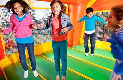 kohls bounce house a guide to cheap bounce house rentals to save your kid s birthday party budget