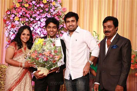 tamil actor vijay antony biodata gv prakash kumar saindhavi wedding reception photos
