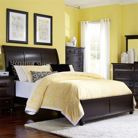 sleigh bedroom sets queen queen sleigh bed by broyhill furniture wolf and gardiner wolf furniture