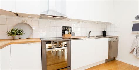 cocinas pequenas  blancas  blogdecoracionescom