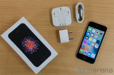 what colors does the iphone 5s come in apple iphone se review