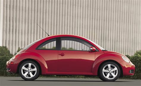 2006 volkswagen new beetle car and driver