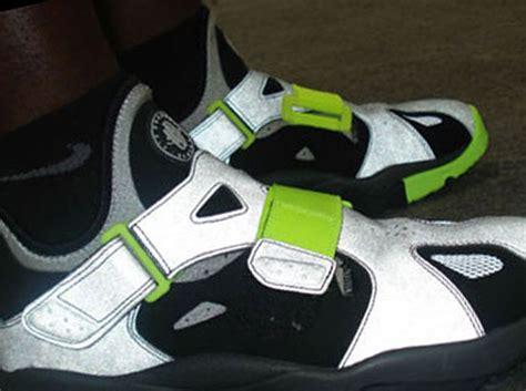 nike air huarache trainer 94 black volt sneaker freaker nike air trainer huarache 94 black strata grey