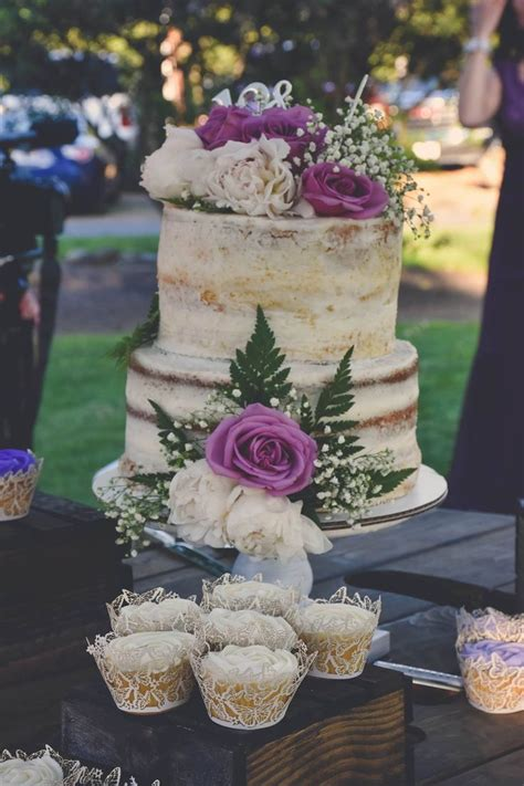 25 best ideas about wedding cake fresh flowers on wedding cake flowers wedding
