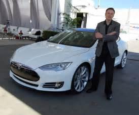 Electric Car Space X Tesla Unveils Autopilot System But Don T Let Go Of The
