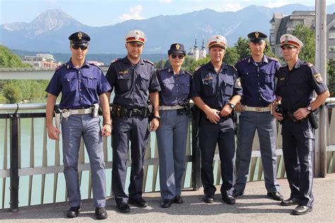 questura di udine ufficio stranieri polizia italiana con polizia austriaca
