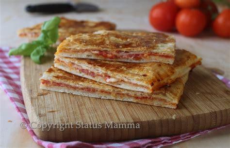 pasta facile da cucinare pizza con pasta sfoglia ripiena